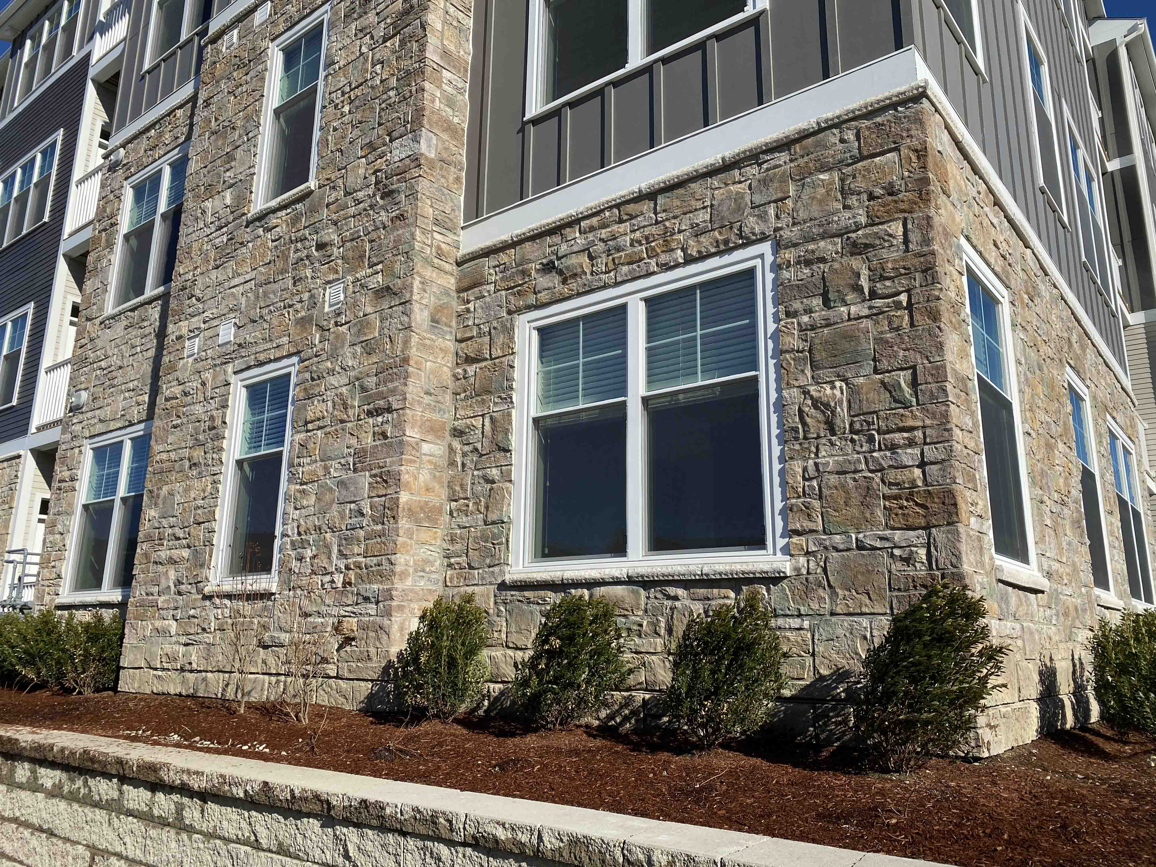 New England Cobblestone Lambris